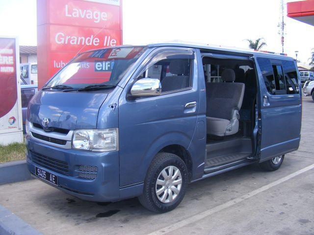 madarental acr location 4x4 minibus minicar cars hyundai starex 4x2 12 places. Black Bedroom Furniture Sets. Home Design Ideas